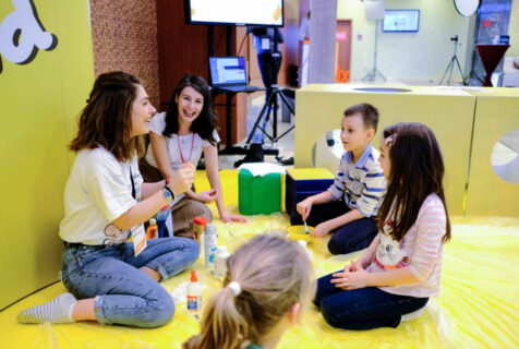 7 abilități sociale importante pentru dezvoltarea celor mici