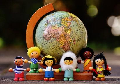 Explorează culturile lumii <br><br><span class=