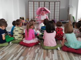 Crearea unei comunități incluzive acasă și la școală