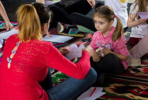 Lecții pe care le poți învăța de la copilul tău